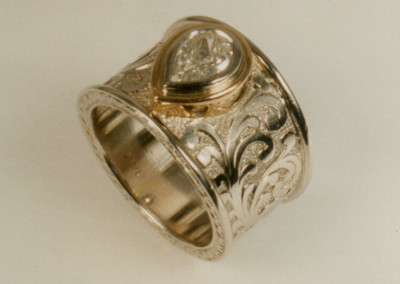0131 Diamond Ring w Engraving Sideview