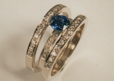 0152 Saffire & Diamond Ring
