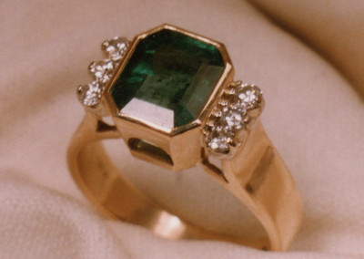 0171 Emerald & Diamond Ring