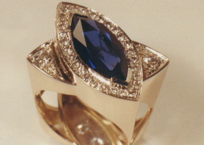 0181 Saffire Diamond Ring