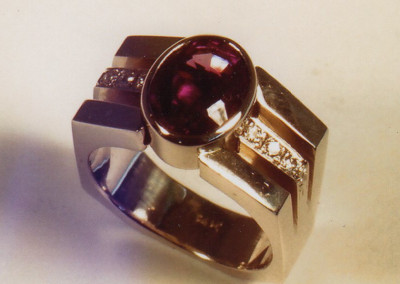 0223 Garnet & Diamond Ring 2