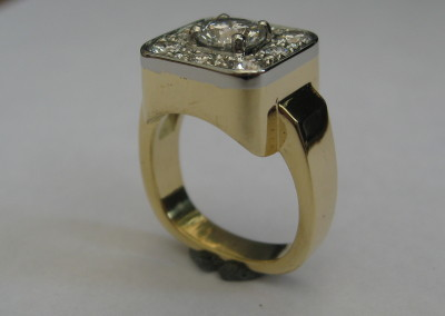 4103 Hers Diamond Ring Side view